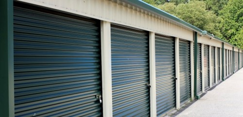 Garage access by foot only may not be a lease defect